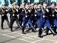 哈萨克斯坦仪仗队赴华参加阅兵式