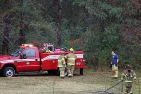 美国田纳西州小型飞机坠毁3人丧生(图)