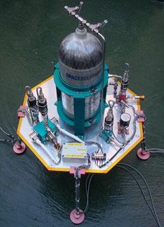 图为搭载发动机和遥控装置的登月飞船。上面还可以搭载重20公斤的探测设备