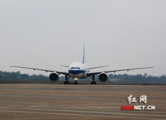 大飞机黄花机场成功试飞