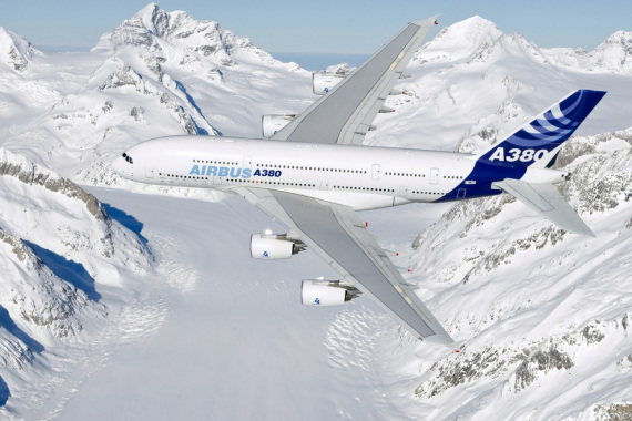 A380飞跃阿尔卑斯山