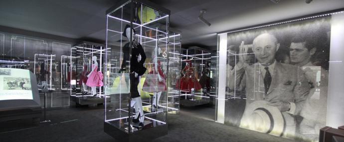 Dior古董礼服展