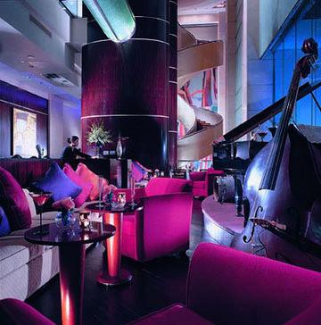 极富现代感的丽嘉酒吧
