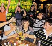 天津:世界杯引热酒吧夜生活