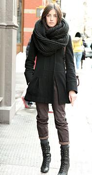 Это фото находится также в разделах: шарф связанный косами.
