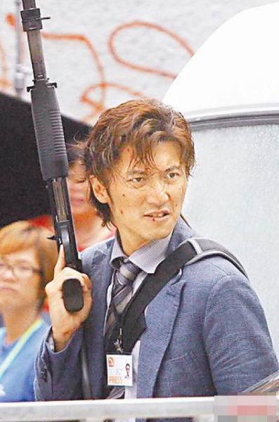 谢霆锋近来拍新片《逆战》,有不少枪战危险戏