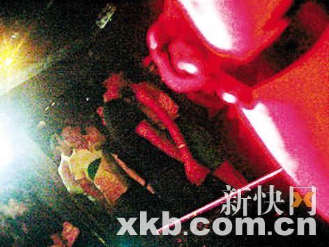 林峰与刘俐又抱又吻又拖手