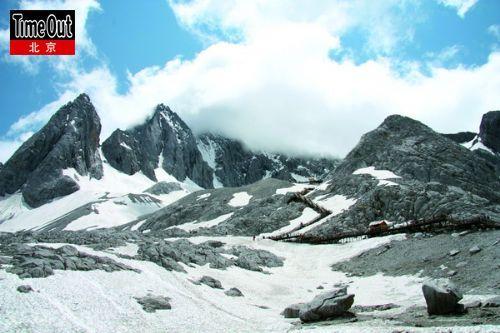 到了玉龙雪山脚下,燥热全无。