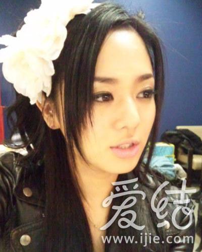 苍井空新米看护_苍井空也是美甲控 盘点爱晒美甲的日本女星