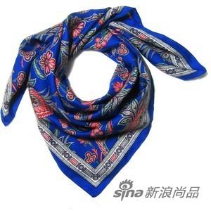 深蓝色印花方巾