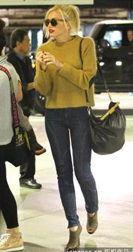 姜黄色拉链补丁毛衣
