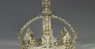 维多利亚女王王冠