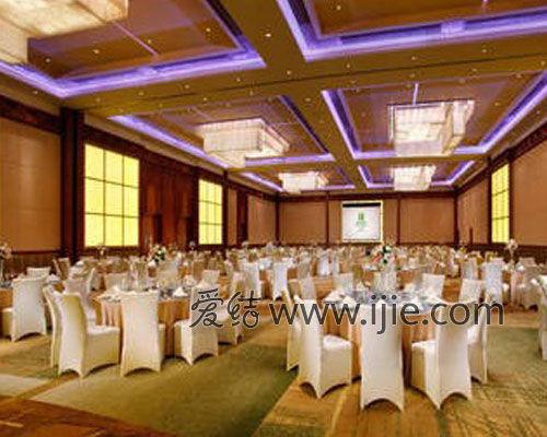 是追求浪漫欧式婚礼新人的理想之所,酒店3楼层高5米面积400平方米可