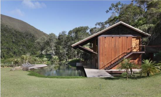 河岸别墅鱼池设计