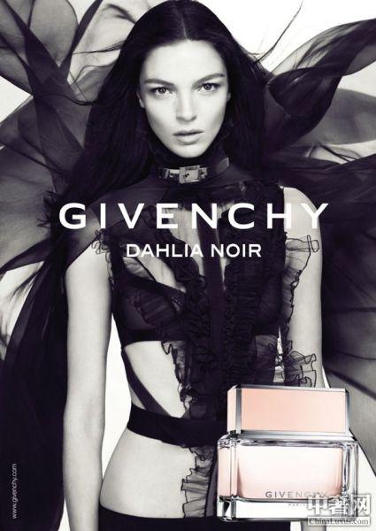 纪梵希全新Dahlia Noir诱惑香氛系列广告
