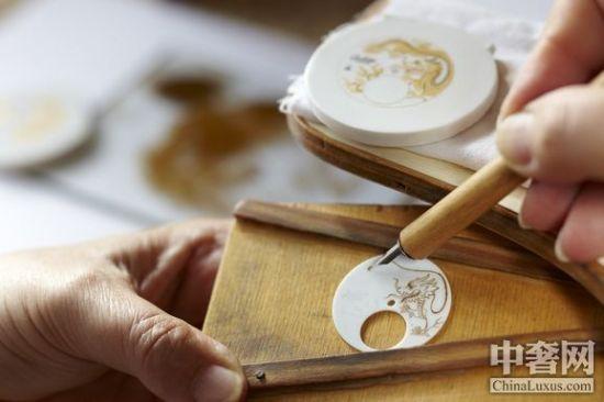 梅森白瓷表盘和彩绘珐琅表盘一样,具有极高的艺术价值。