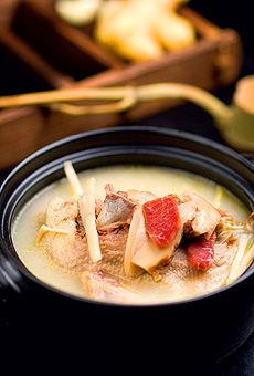 松茸火腿老鸭汤