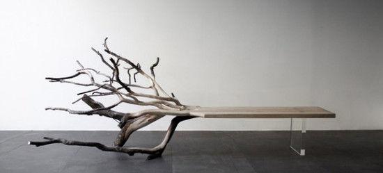 """""""倒下的树""""板凳"""