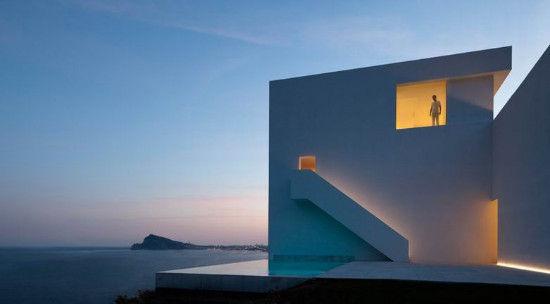 不可复刻的悬崖景观别墅设计