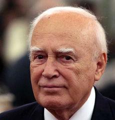 """希腊总统""""节衣缩食"""""""