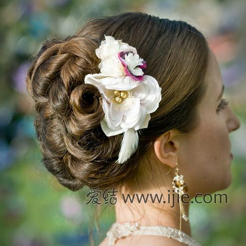 发饰经典点缀时尚新娘羽毛陈奕迅发型泡面头图片