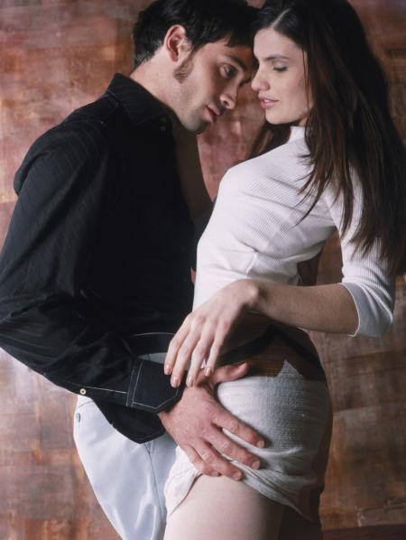 让女人疯狂高潮的18个性爱小技巧