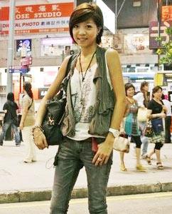 六月香港的街头美女穿什么