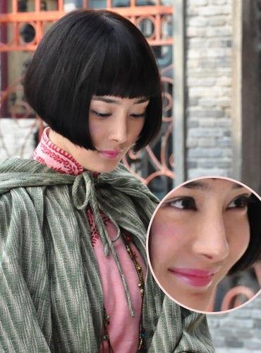杨幂甜美桃粉色唇妆