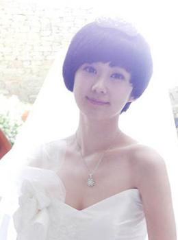 a明星可爱张娜拉俏皮明星短发婚纱(组图)今年流行造型扎发图片