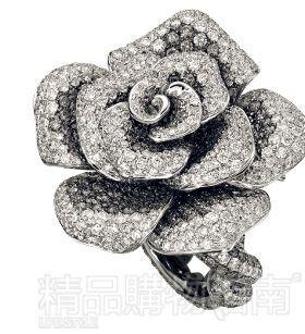 景福珠宝<br>玫瑰花造型银钻乳白钻戒指