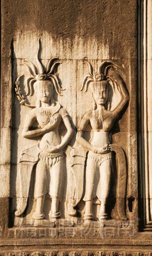 """阿普萨拉仙女被当地人称作""""最美的仙女"""",时常出现在各种石雕作品中。"""