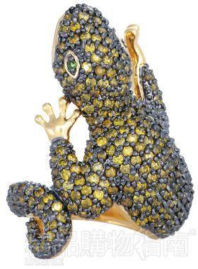 动物造型的项链不如戒指,手镯更有立体感,昆虫吊坠,耳环随行走摆动会