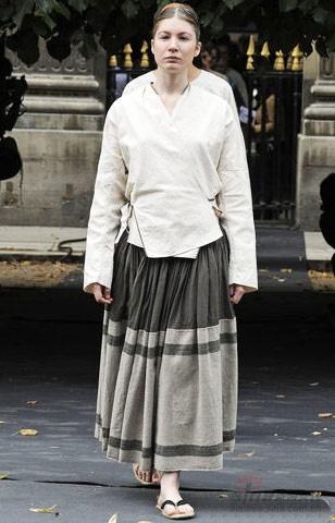 """中国设计师马可这次显然在和巴黎时装周的奢华""""主旋律""""唱反调图片"""