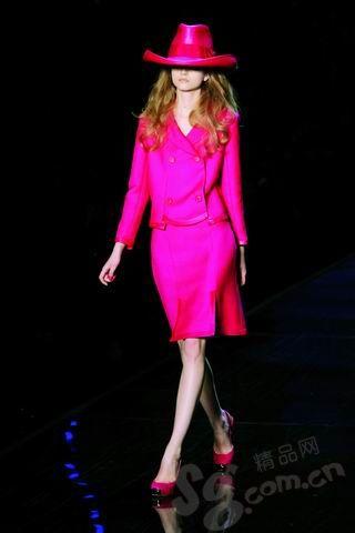 浅粉色高跟鞋子搭配