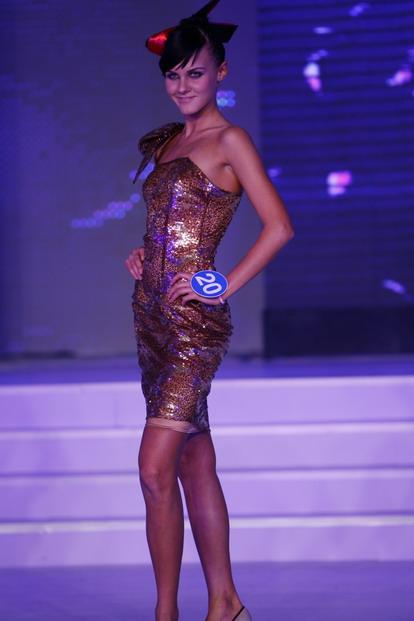 日晚20点2008年新丝路模特世界模特大赛总决赛在北京富力万丽酒店举行