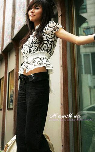 抽象感觉的波纹图案衬衫,演绎你的俏丽