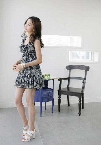 印花纹样的雪纺连衣裙是今年最IN的单品