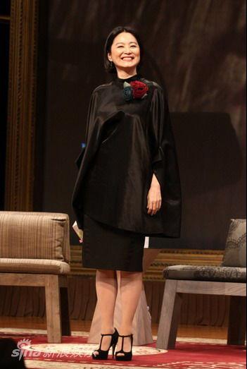 林青霞王祖贤昔日玉女 巧妙穿衣遮盖发福体型(图2)