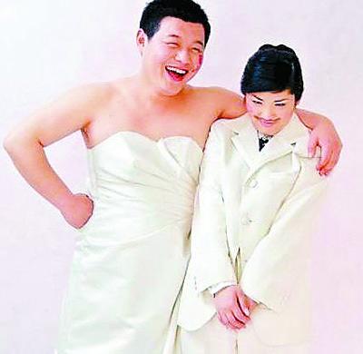 大学生情人人体艺术_有些大胆的年轻人选择拍情侣人体写真代替婚纱,算是另类的,不是一般人