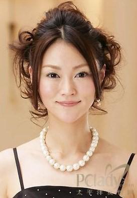 6款参加婚礼时的优雅自然发型(组图)图片