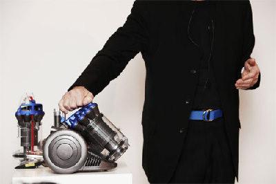 英国推出世界最小吸尘器 小巧玲珑功效强大(组