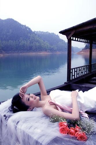 淫人体艺术摄影_供摄影家创作唯美的婚纱摄影作品和天人合一的人体艺术作品.
