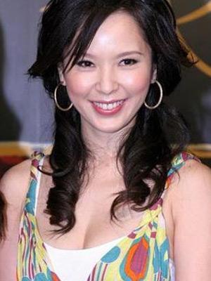 台湾美女天心用酒酿鸡蛋丰胸