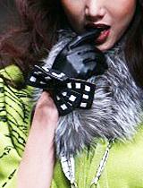 性感与可爱兼备的蝴蝶结手套
