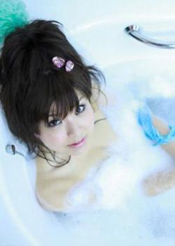 每天晚上睡觉前来一个温水浴