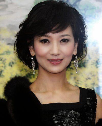 年龄: 58岁   不老指数:★★★★☆   赵雅芝可称为殿堂级演员