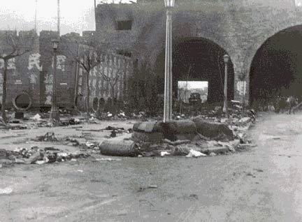 图文:日军车辆侵占南京后从尸体上碾过