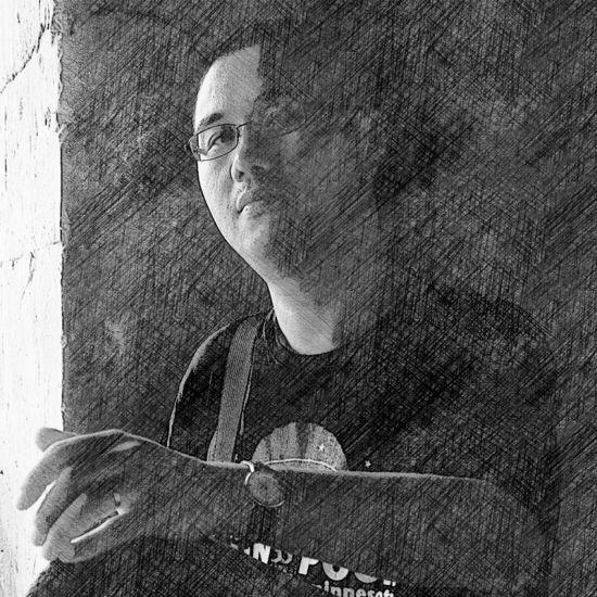"""吴毅,艺术学博士、副教授,2003年至今任教于北京电影学院。主要从事数字摄影创作与理论、色彩管理和影视剪辑等专业的研究与教学。出版多种教材及专著,并有数篇论文入选《中国电影科技论坛文集》。2006 年至今担任《数码摄影》杂志""""专家坐堂""""栏目专栏作者,并在《商业摄影》等多家杂志发表摄影和视频制作相关专业文章。"""