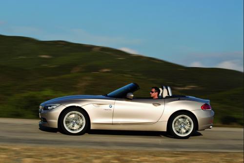 新一代BMW Z4醒目而纯正的设计彰显了跑车独特的驾驶乐趣