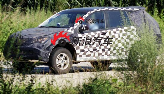 预计荣威版SUV的车身尺寸将于现款双龙享御接近